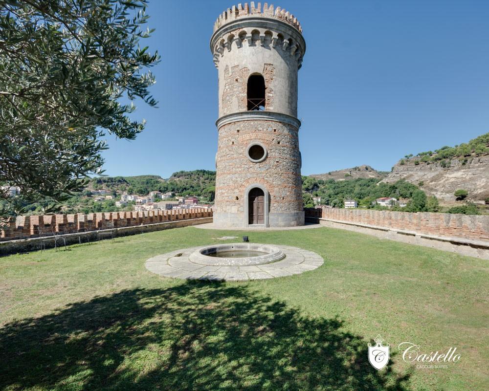 la-torre-castello-di-caccuri